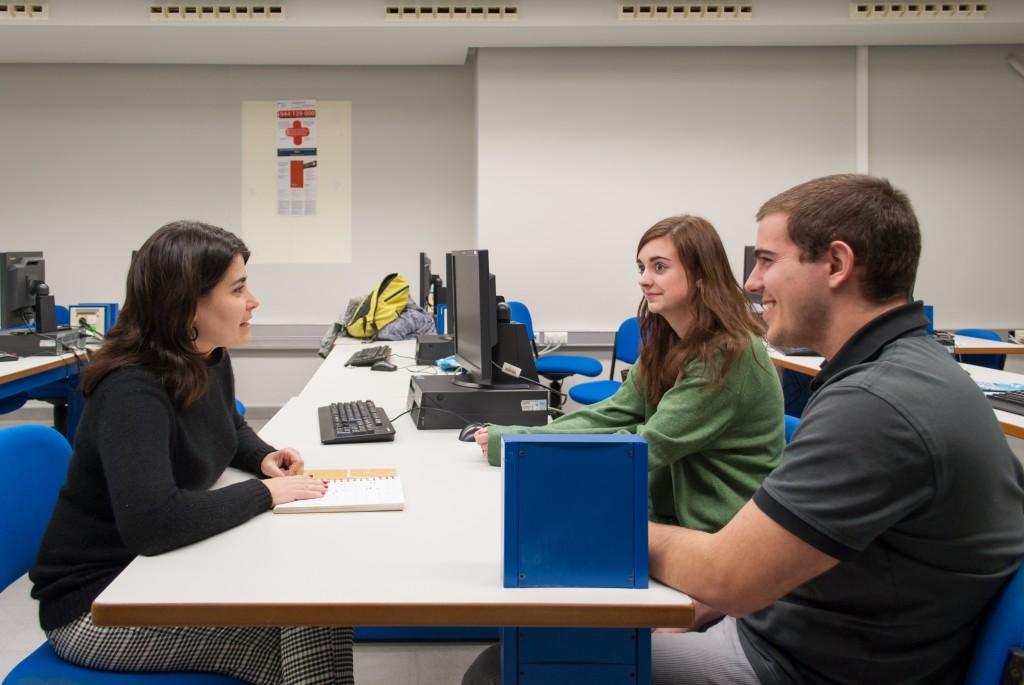 Atención de estudiantes de telecomunicaciones