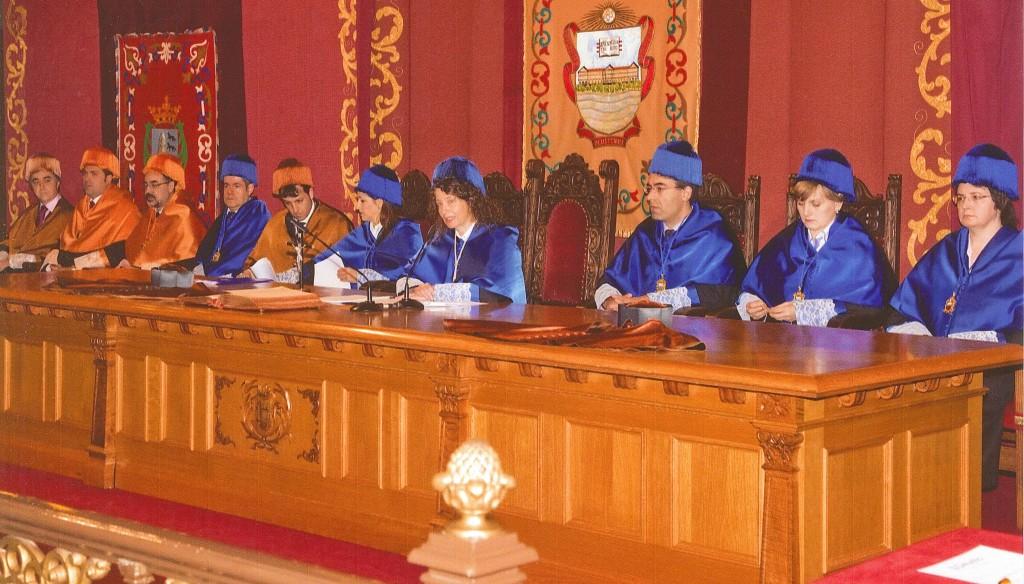 Imagen de la ceremonia, presidida por la Decana, D.ª Inés Jacob