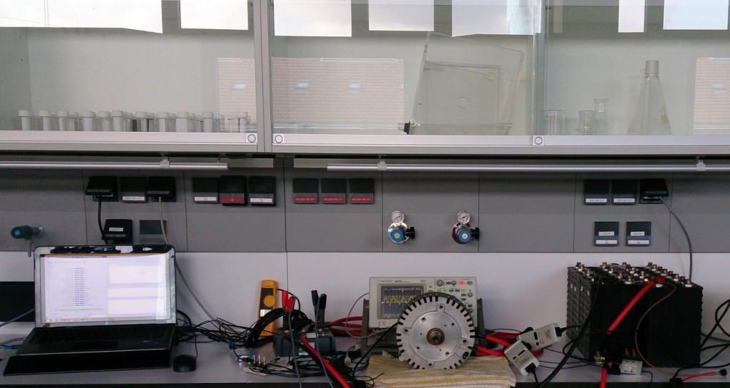 Figura 1. Equipo montado en mesa de pruebas