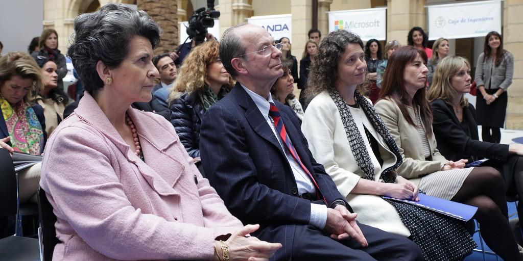 El alcalde Bilbao, D.Ibon Areso clausura  Forotech 2014 junto con la Decana de Ingeniería, Dña. Inés Jacob